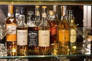 ᐅ Whisky Schrank Whisky Sicher Aufbewahren Die Hausbar